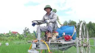 Anh Hát sáng chế máy phun thuốc trừ sâu