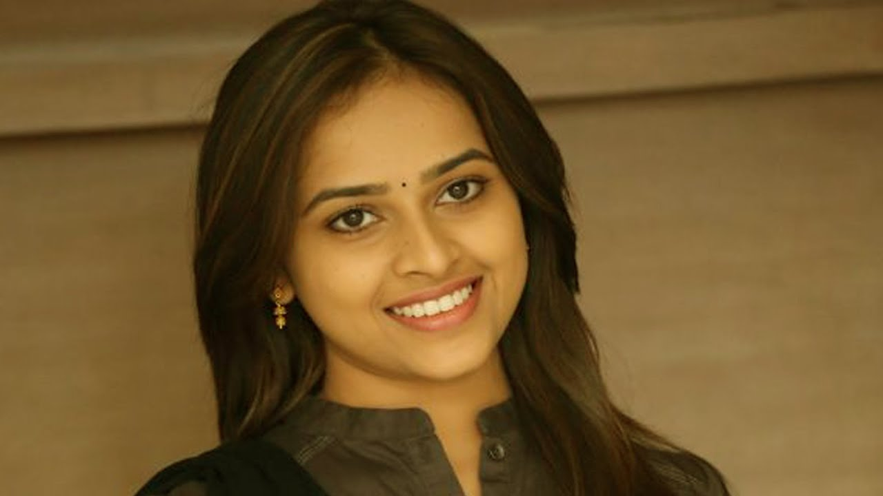 Tamil Film Heroine Sri Divya Latest Photoshoot