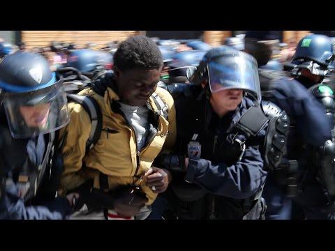 La police de Valls-Hidalgo contre les refugiés à Paris...