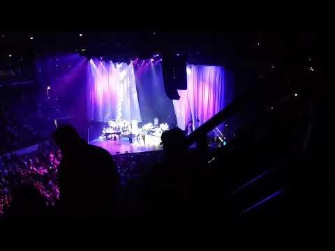 Mariah carey @ united center. 8/26/17. Part 2.