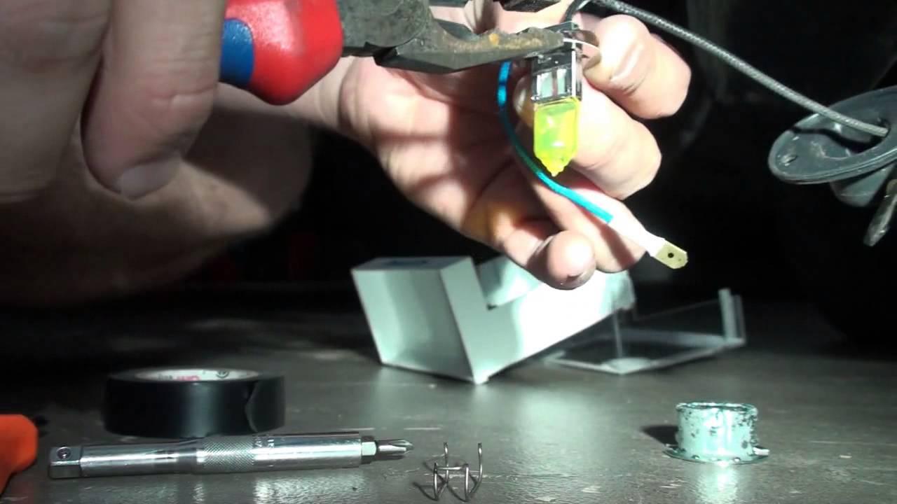 fog light bulb install vx hsv clubsport,gts,senator - howto