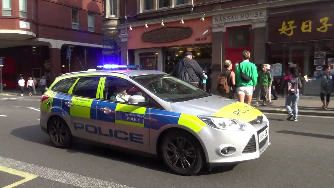 Metropolitan Police - Incident Response Vehicle - Ford Focus Estate - On shout in Soho - YouTube & Metropolitan Police - Incident Response Vehicle - Ford Focus ... markmcfarlin.com