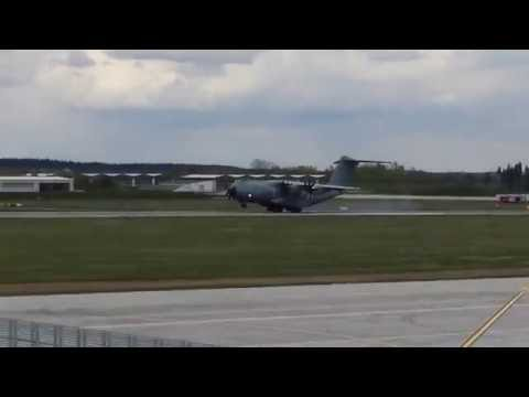 Airbus A400M - Touch and Go