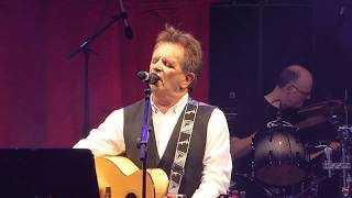 Watch Donnie Munro The Weaver Of Grass video