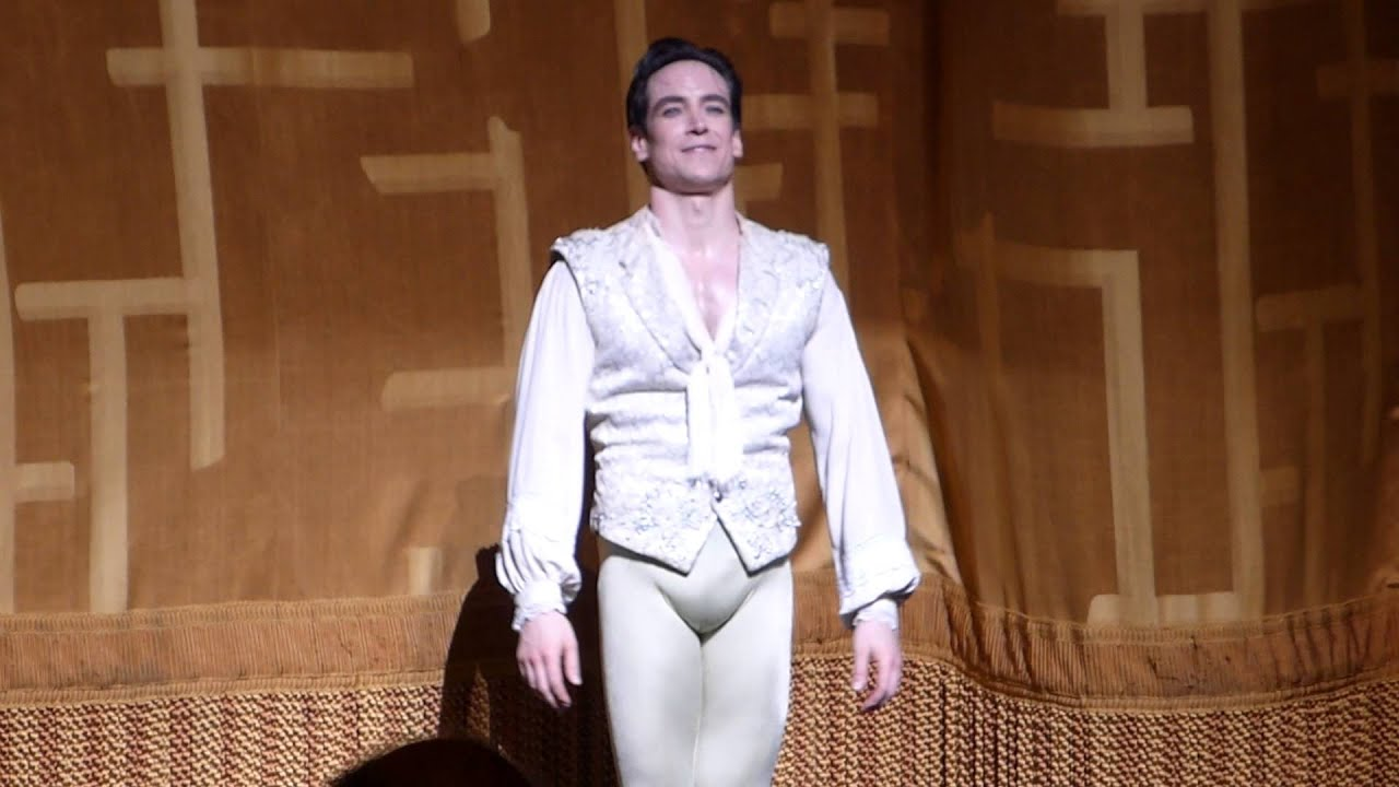 sascha radetsky how tall
