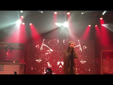 Post Malone - 'I Fall Apart' LIVE