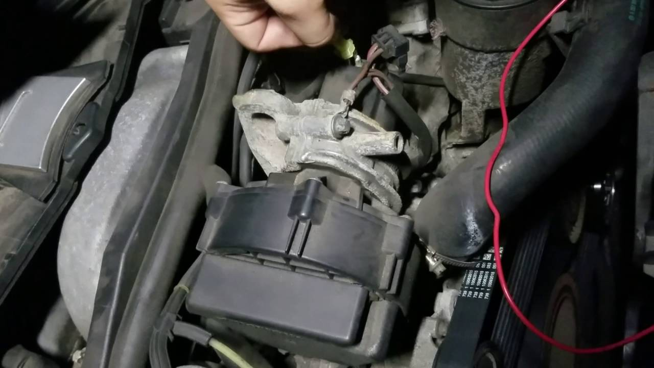 2010 mercedes c300 secondary air pump relay location