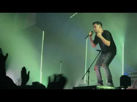 Linkin park invisible with hand held high intro 3/7/17