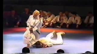 woman #demonstration #techniques #aikido, женская #демонстрация приемов #айкидо(woman #demonstration #techniques #aikido, #Aikido techniques, techniques #of self-defense, women's self-defense, #shots, #painful holds. женская ..., 2015-08-29T12:45:56.000Z)