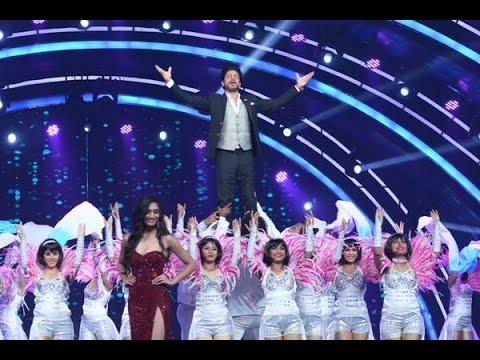 Watch SRK 'Jabra' entry at fbb Femina Miss India 2016