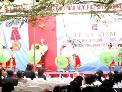 Hoa ban vào lớp (20-11-2010) Part2