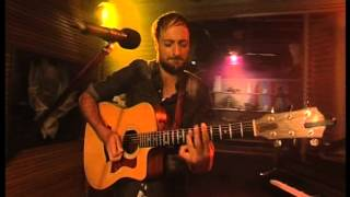 Howie Combrink sings 'Cloudy Days' live!