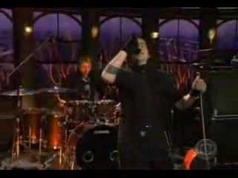 Three Days Grace - Pain (Late Late show live)