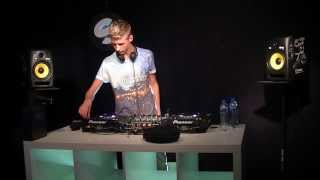 Arbores Radio Live Set at Spinnin