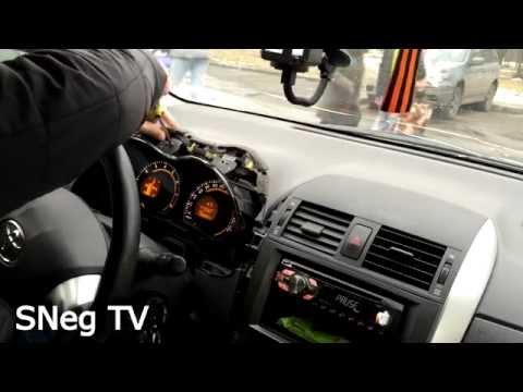 Toyota Corolla 2011 E150 Самостоятельно убираем скрип приборной доски