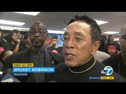 Smokey Robinson presents $1M donation to Pio Pico Middle School via ABC 7