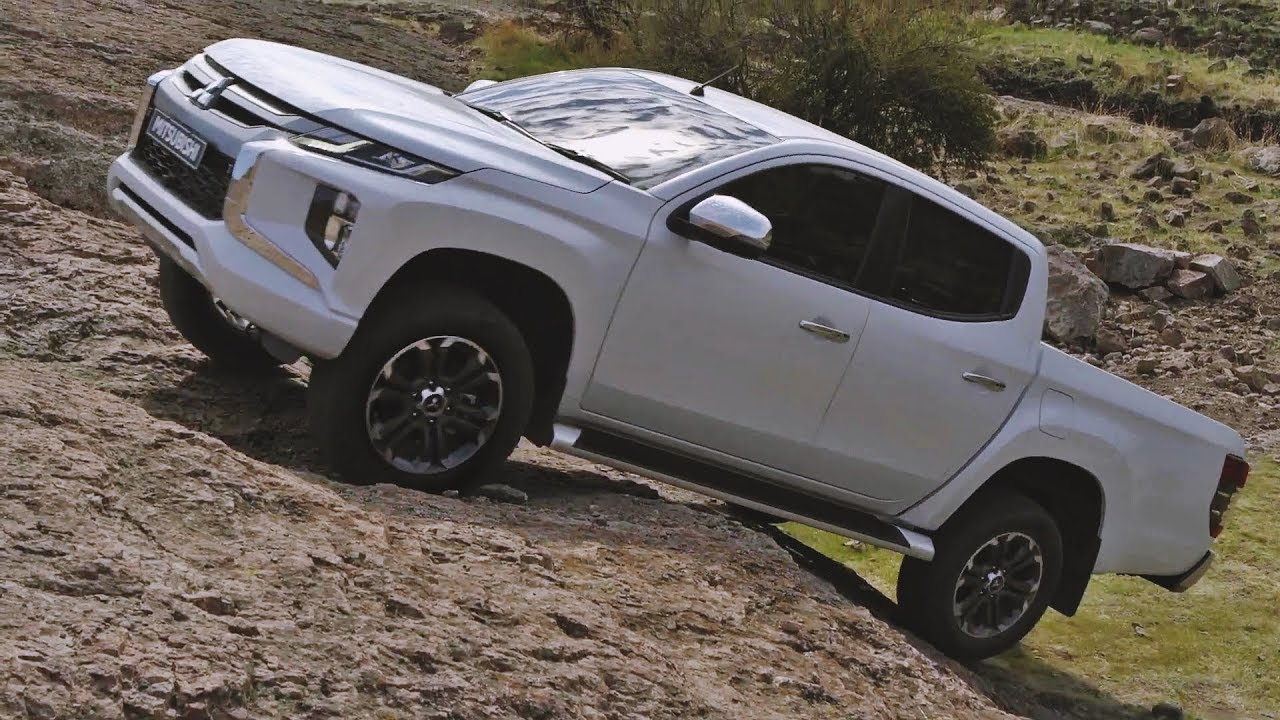 2020 Mitsubishi L200 Interior Exterior And Drive Youtube