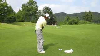 ゴルフ サンドウェッジの柔らかいアプローチショットの打ち方 thumbnail