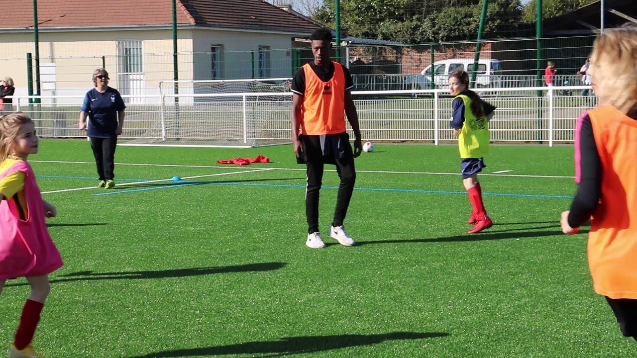 Photos et vidéo  Les jeunes footballeurs de Grandvilliers (Oise) s