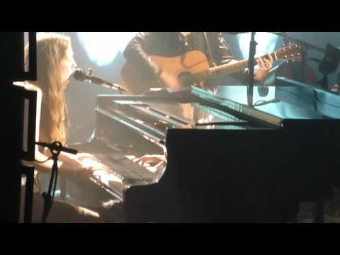 "Birdy LIVE @ The Tabernacle: ""District Sleeps Alone Tonight"""