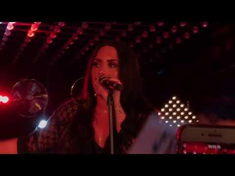 Demi Lovato - Tell Me You Love Me - Paris 2017