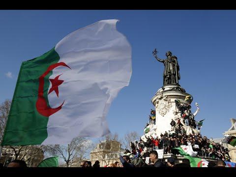 شاهد: الجالية الجزائرية في باريس تتظاهر احتجاجا على ترشح بوتفليقة لولاية خامسة …  - 13:54-2019 / 3 / 10