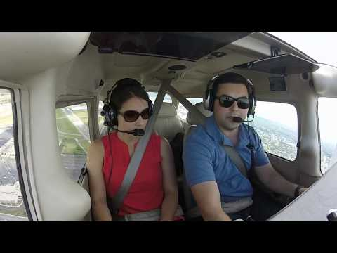 Cessna 172 | $100 Hamburger with the wife for lunch at Restaurant 121 in Oxford CT
