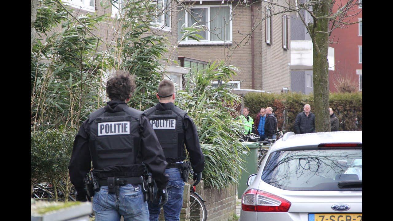 04 03 2015 Leeuwarden Verwarde Agressieve Man Opgepakt