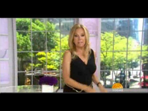 f21dd620678c Kathie Lee Gifford says Clara Sunwoo is one of her faves! - YouTube