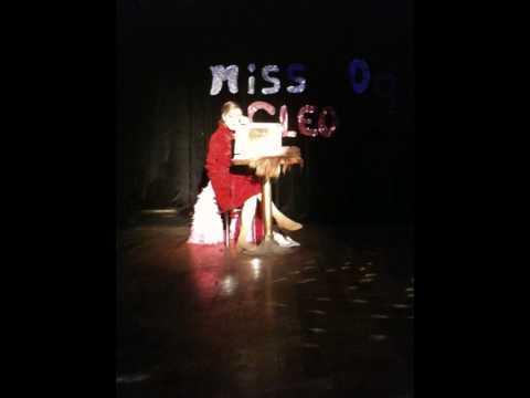 Missy  James de Grèce - Medley ''Femme'' a la Finale du Miss Cleo 2009