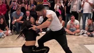 KIKE Y NAHIR DANCING KEWIN COSMOS SONG