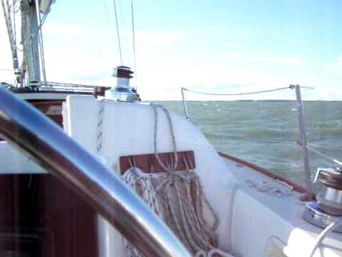 FOUL WEATHER SAILING.MOV