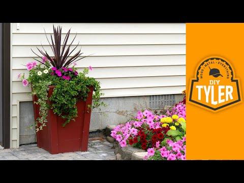 $31 Outdoor Planter Box (SUPER Easy DIY)