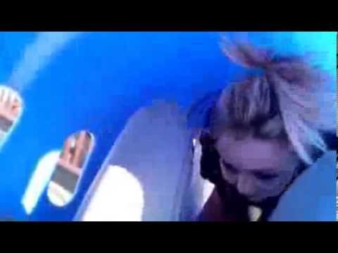 Natural Vaginal Childbirth Delivery Video at Home in WaterKaynak: YouTube · Süre: 7 dakika51 saniye