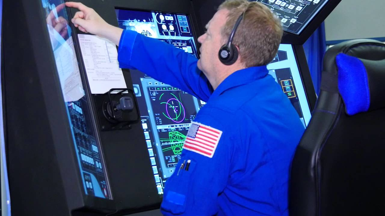 NASA blasts off with touchscreen space simulators | Digital Signage