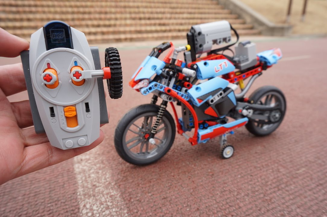 LEGO Technic 42036 RC Motorized Street Motorcycle by 뿡대디 - YouTube