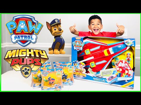 PAW PATROL MIGHTY PUP JET COMMAND CENTER!