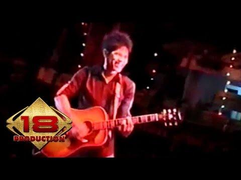 Baim - Siapa Bilang  (Live Konser Medan 17 Agustus 2006)