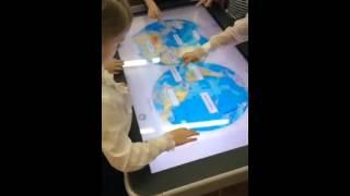 Урок окружающего мира. Работа на интерактивном столе ActivTable