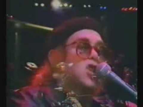 Elton John - I Heard It Through the Grapevine & Island Girl