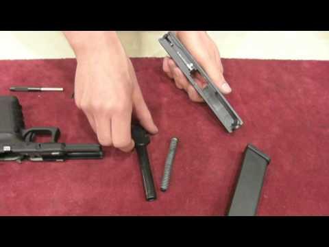 Glock 17 Global Pistol caliber 9x19 Handling