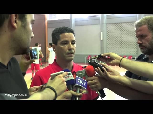 ΟΛΥΜΠΙΑΚΟΣ |  Ο κόουτς Γιάννης Σφαιρόπουλος, ο Γιάννης Παπαπέτρου και ο Γιάννης Αθηναίου μίλησαν στην πρώτη προπόνηση της ομάδας για τη νέα σεζόν.