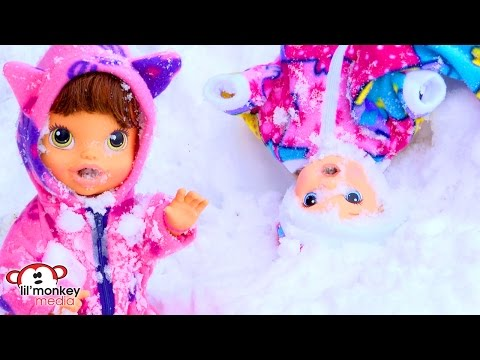 Baby Alive! Snowball Fight, Getting Dressed in Snowsuits and More!!