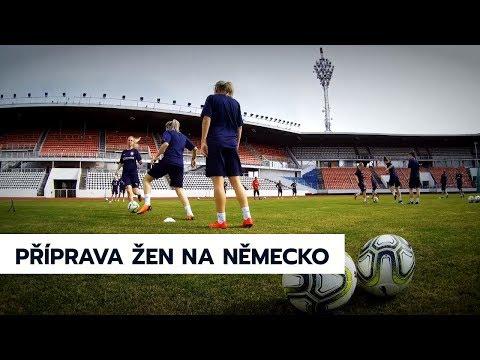 Trénink ženské reprezentace před sobotním zápasem v Německu