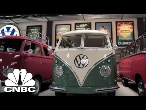 gabriel iglesias blames jay for his volkswagen addiction jay leno 39 s garage cnbc prime youtube. Black Bedroom Furniture Sets. Home Design Ideas