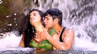 Download Hindi Video Songs - Khola Ye Rajaji Blouse Ke Batam - Full Song | Akshara Singh & Anil Samrat | Hot Bhojpuri Video