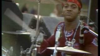 Freddie King performs