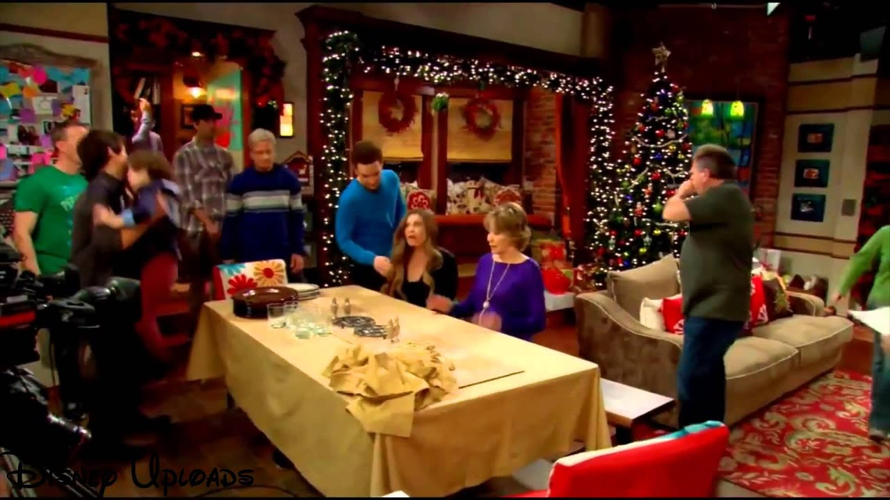 """Download Girl Meets World   """"Girl Meets Home for the Holidays"""" Behind The Scenes"""