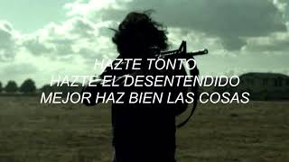 Treat Me Like Your Mother - The Dead Weather // Español