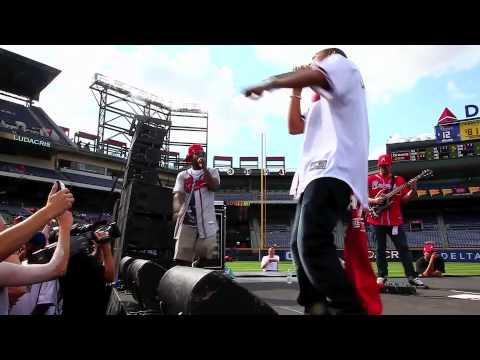"Ludacris, Jesse Jackson, & Jermaine Dupri - ""Welcome to Atlanta"" live at Turner Field"